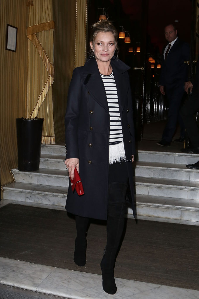 PARIS, FRANCE - NOVEMBER 06: Kate Moss leaves the 'Costes' hotel on November 6, 2014 in Paris, France. (Photo by Marc Piasecki/GC Images)